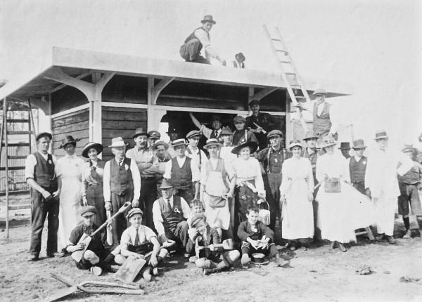 24. 1918 Playground construction team copy