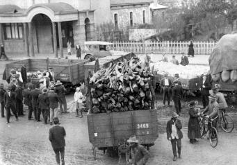 Derailment in Ellen Street Port Pirie, near Post Office
